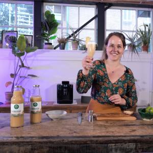 Denise maakt alcoholvrij cocktail met gembersap